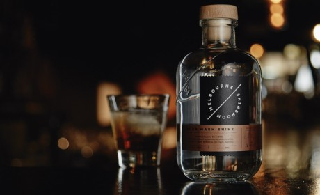 MELBOURNE MOONSHINE精美杜松子酒包装设计。