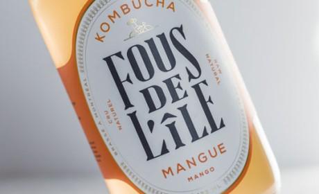 Fous de L'île时尚的红茶菌饮料玻璃包装设计。