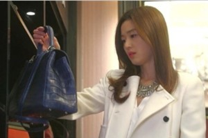 """香港不景气,二手奢侈包包专卖店""""米兰站""""亏损"""