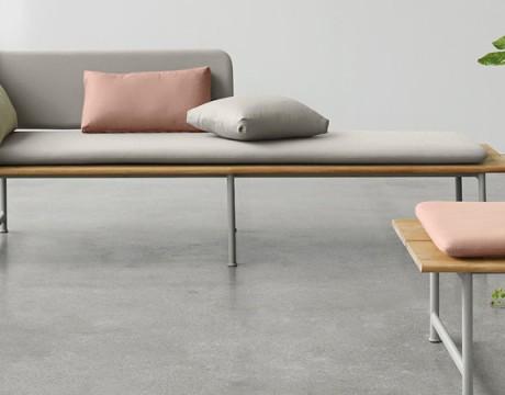 高度较低的座椅沙发会让人们更舒适放松吗?