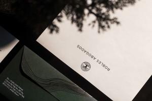 品牌logo设计公司坚持哪些设计理念?一起来看看Robles Abogados律师事务所品牌形象案例