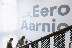 Eero Aarnio展览庆祝芬兰设计超级英雄
