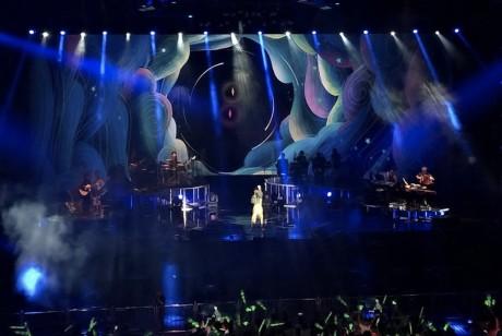 光良双子星演唱会的舞美设计星光熠熠