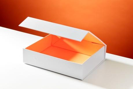 翻盖盒包装设计经久不衰,特别是在采用没有覆膜的特种之后更加环保了
