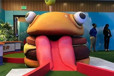 PAX游戏展会策划的迷你高尔夫球场吸睛率爆棚,互动体验更是有趣极了