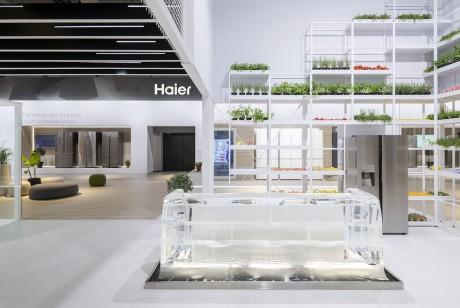 360度没死角的完美呈现估计就在海尔的这场IFA的展位设计了吧