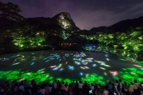 将原始生态自然变为艺术的teamLab御船山室外展览再次掀起了展览界的热议