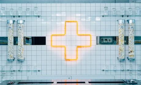 实验室的快闪店策划竟然是为高频率快餐食客们免费提供维系健康所需的维他命
