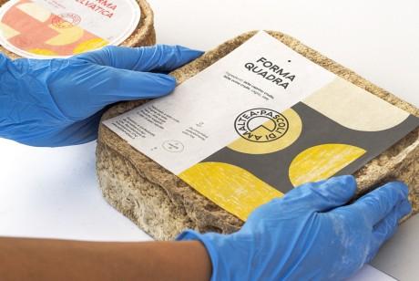 具有现代气息的有机农场奶酪包装设计和品牌识别设计