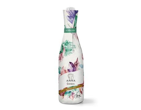 装饰瓶子的包装设计Anna de Codorníu Organic