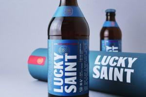 无醇啤酒通过Lucky Saint获得现代的重口味外观包装设计