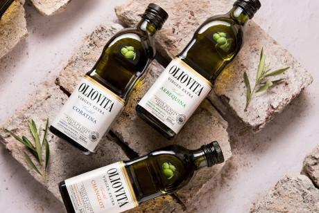 OLIOVITA橄榄油一个带有清晰优雅白色标签品牌包装设计