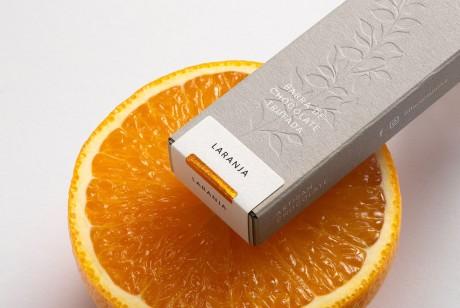 FlèCacau&Oliva巧克力品牌包装设计,Flè是一朵花,花是春天的标志,是更新、唤醒和重生的标志